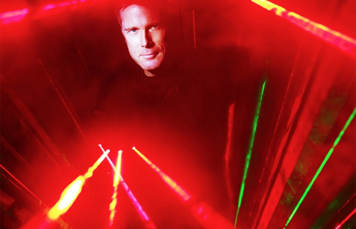 Mark Nizer Amongst Lazers